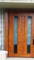 温かみのある玄関ドア