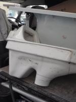 取り外した和式トイレ、当然リサイクルに出されます。