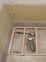 根太組をして、新しい床の基礎を作ります。