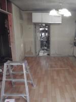床の補強が終わったら、クッションフロアを貼って出来上がりです