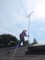 きっちり固定して、屋根上のアンテナは準備完了。