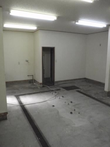 床が無くなり、きれいさっぱり♪